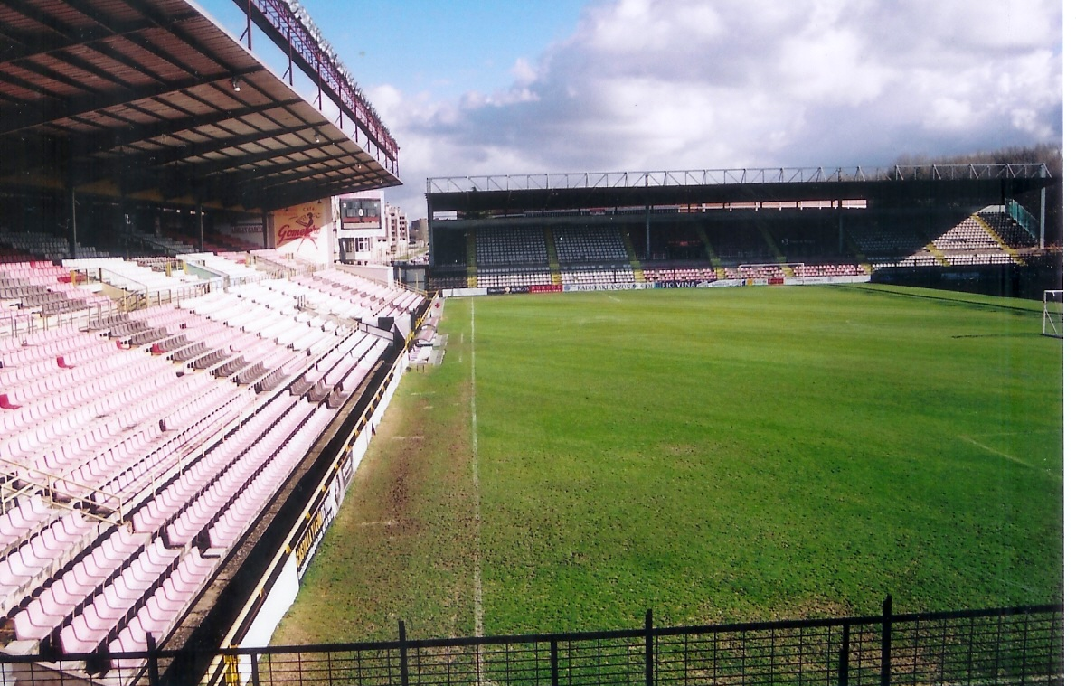Estadio municipal el plant o de burgos jetlag for Piscinas el plantio burgos